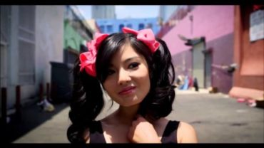 Fei Fei – Flying Daggers Official Video